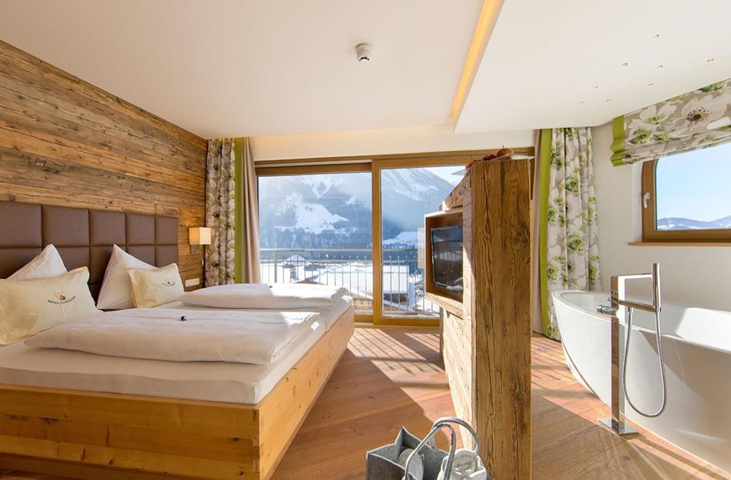 Panoramasuite deluxe, Hotel Alpendorf**** ❤ Sankt Johann ...